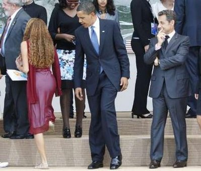 obama-check-out-girl
