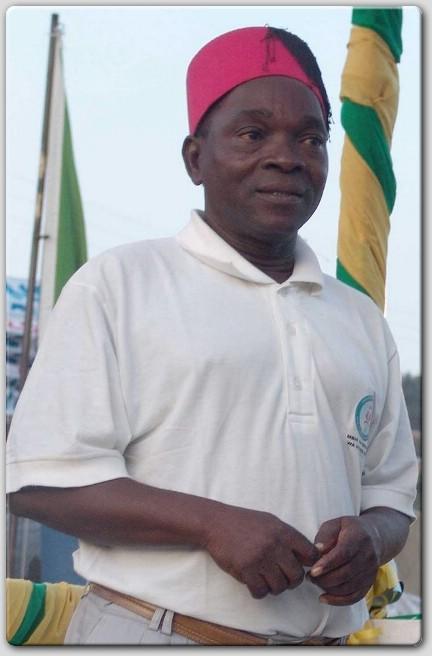 MZEE Small amewarushia makombora wasanii wa filamu za Tanzania akisema