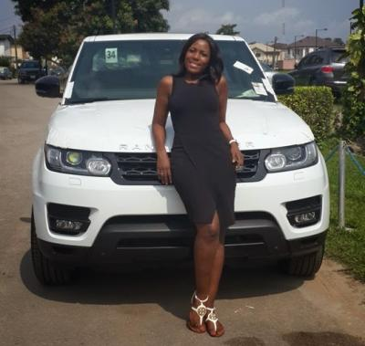 Linda Ikeji posing with her Range Rover which she could directly attribute as success from blogging.
