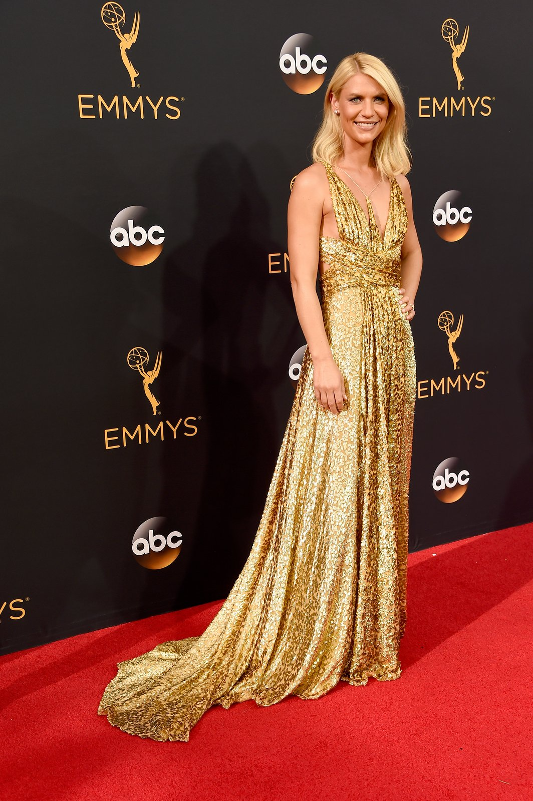 claire-danes-in-schiparelli-houte-couture-dress